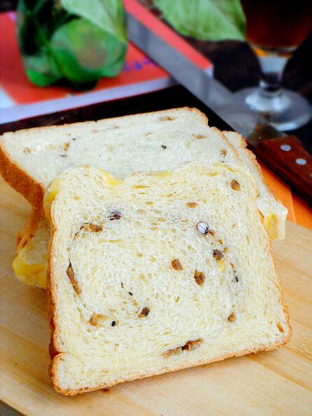 玉米燕麦牛肉面包
