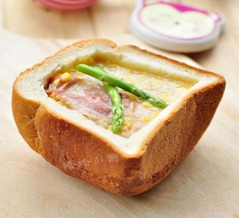 玉米浓汤面包盅