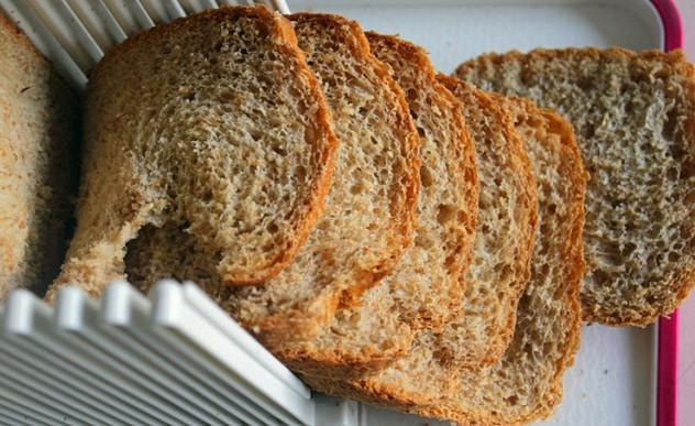 德式清淡养生全麦面包制作完毕