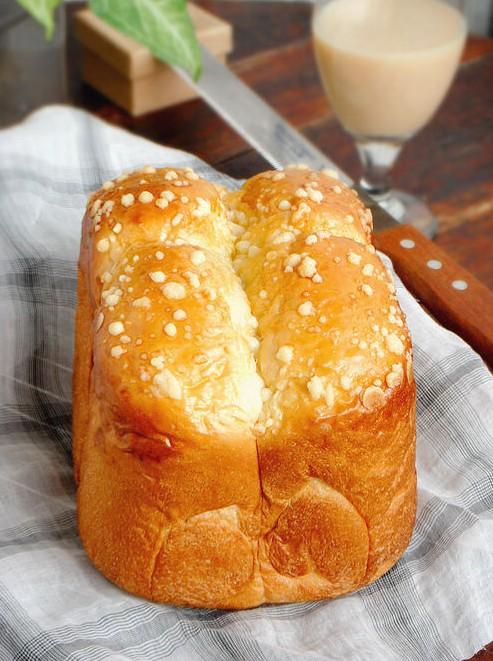 葡萄干奶酥面包
