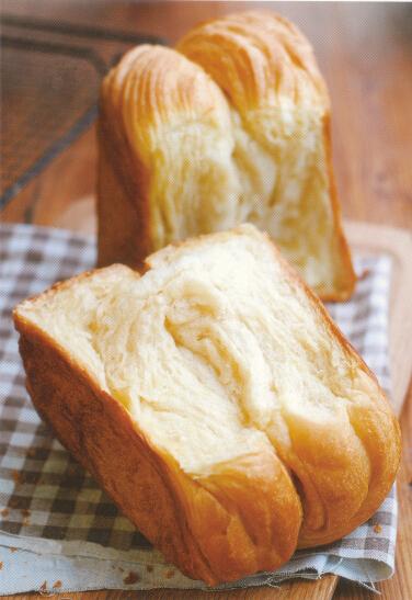 柏翠面包机制作手撕面包的方法